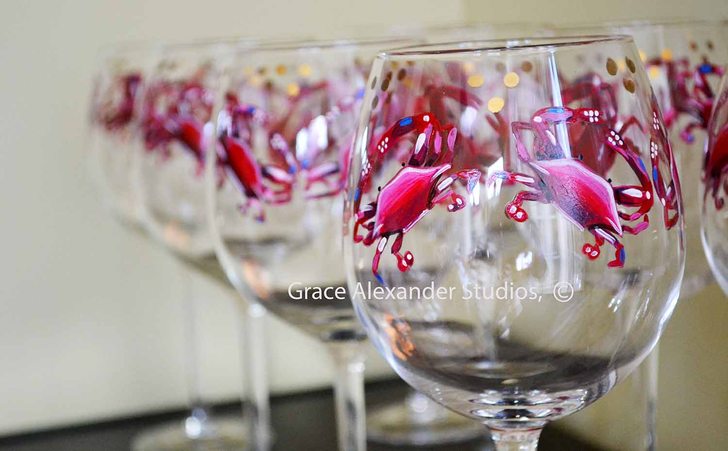 Annapolis Maryland Red Crab with Blue Accents Hand Painted Red Wine Stemmed Glassware with gold Accents and Signed by Artist-Chesapeake Red Crab, Red Crab Wine Glasses, Annapolis Wine Glasses, Annapolis Gifts, Maryland Red Crab Glass, Red Wine Crab Glass